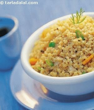 Fibre-rich broken wheat variation of the traditional semolina upma. The carrots and green peas add the necessary crunch along with the wealth of vitamin a.