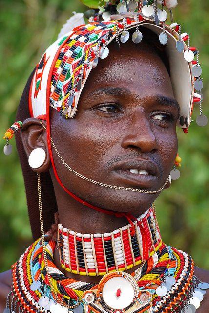 25 beste idee n over afrikaanse vrouwen op pinterest afrikaanse stammen cultuur en indiase - Hoe een lange smalle gang te versieren ...