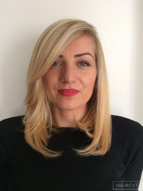 Female Medium Blonde Straight Medium Highlights Long