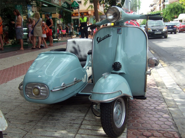 Modern Vespa : Vespa with nice sidecar.