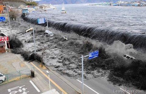 Estos son los tsunamis más devastadores de los que se tenga registro - http://www.leanoticias.com/2012/01/14/estos-son-los-tsunamis-ms-devastadores-de-los-que-se-tenga-registro/