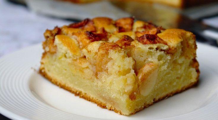 Een cake bakken is eigenlijk zo gedaan. En als je een goed basisrecept hebt, kan je er alle kanten mee op. Zoals deze lekkere appelcake bijvoorbeeld! I