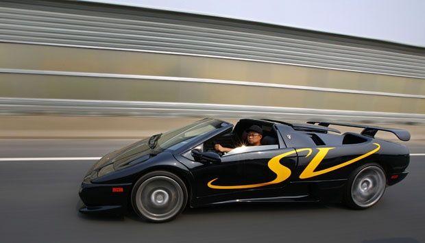Melihat Replika Lamborghini Diablo Hasil Buatan Tangan