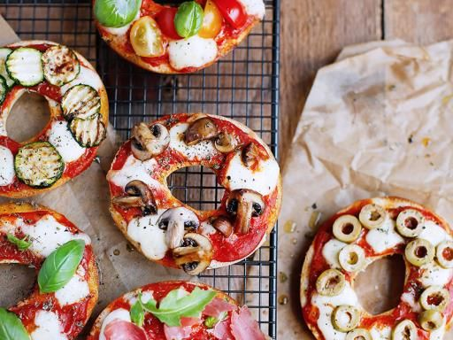Bagels pizza : Recette de Bagels pizza - Marmiton