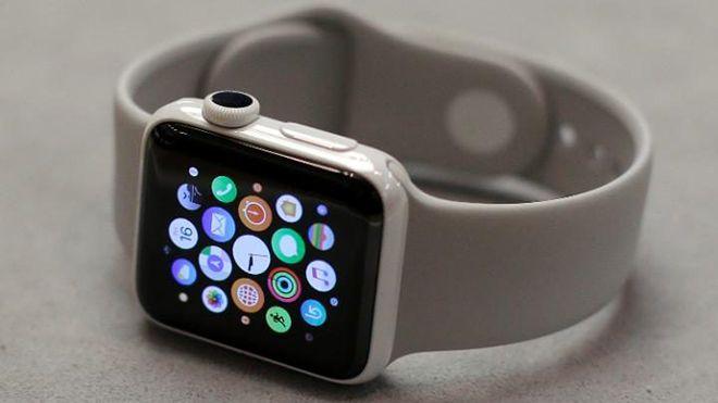 Geçen haftalarda Fitbit'ten liderliği alarak giyilebilir cihaz piyasasında liderlik koltuğuna oturan Apple Watch, gelecek yeni modelleriyle farkı iyice açmaya niyetli gibi görünüyor. Sağlık konusuna büyük...   http://havari.co/yeni-apple-watchla-seker-olcumu-yapmak-saate-bakmak-kadar-kolay-olabilir/