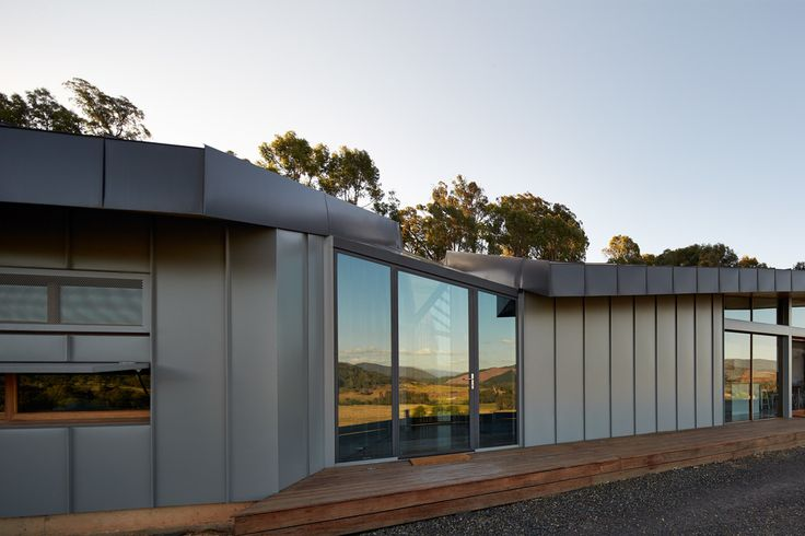 Myrtleford House Raidstudio 2.jpg