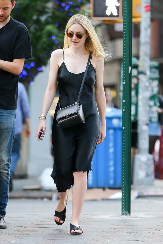 Dakota Fanning w Nowym Jorku, 08.06.2015, fot. East News