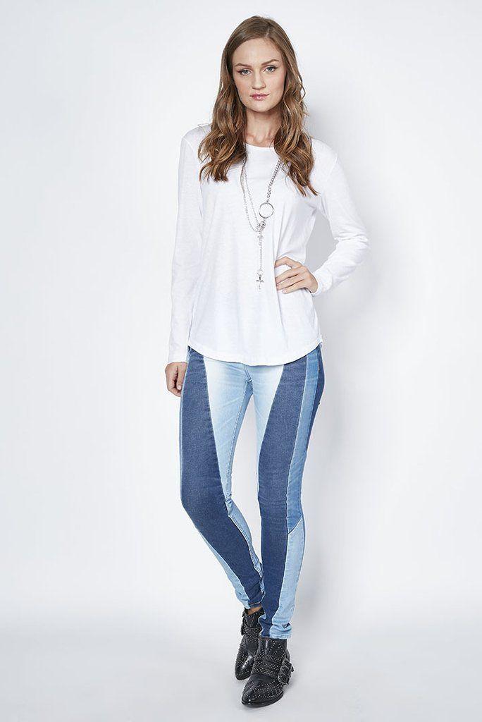 7404b2987 Calça Jeans bia com Recortes em 2019 | Look | Calça jeans, Jeans e ...
