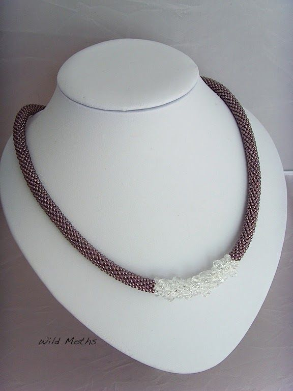 Wildmoths Handcrafted Creations: Swarovski Bead Necklace