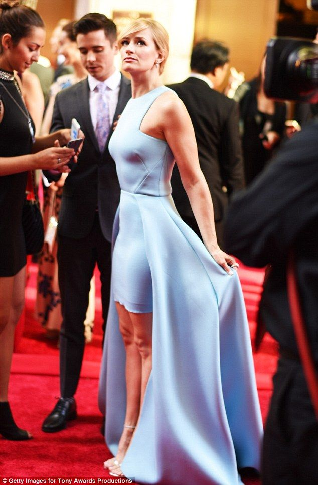 Beth Behrs Accidentally Reveals Her Spanx At Tony Awards