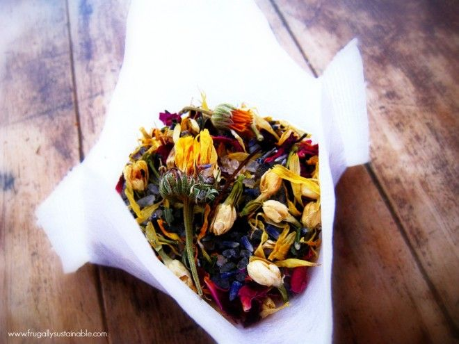 New Moon Herbal Salt Bath Tea...and tips on how to + the benefits of detox during the New Moon cycle