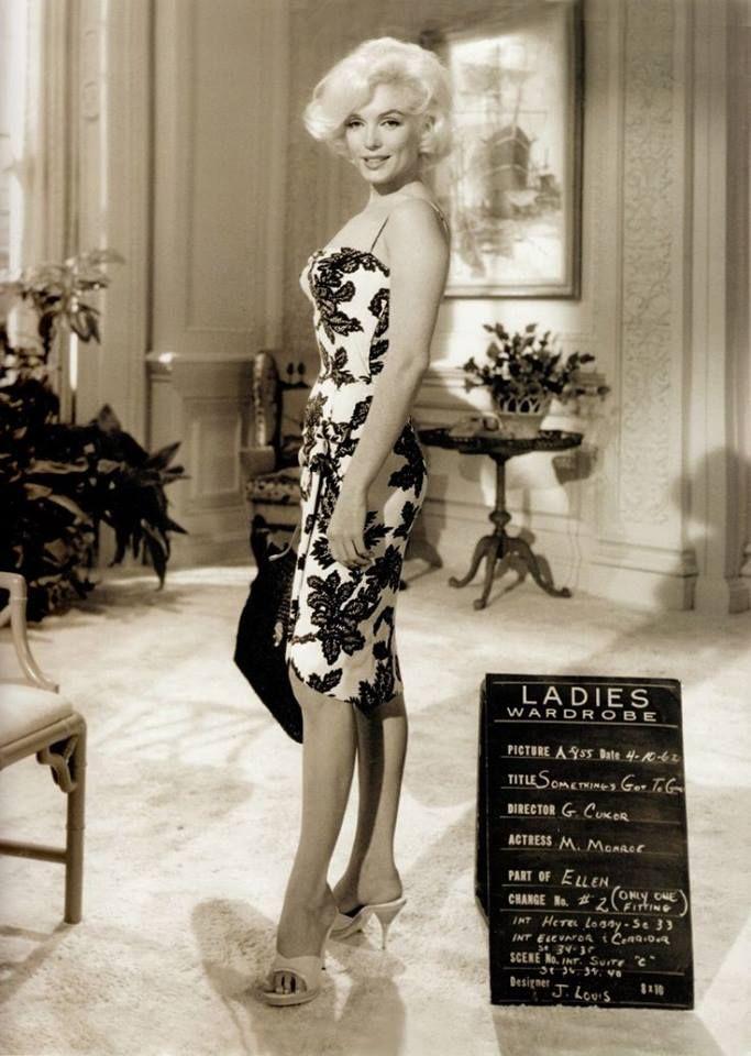 marilyn monroe 39 s wardrobe test for her final film. Black Bedroom Furniture Sets. Home Design Ideas