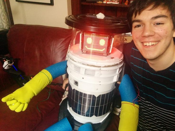 Retweeted by hitchBOT | Colin Gagich @colingagich • July 21 • My @hitchBOT selfie! Best of luck on your trip my little friend!