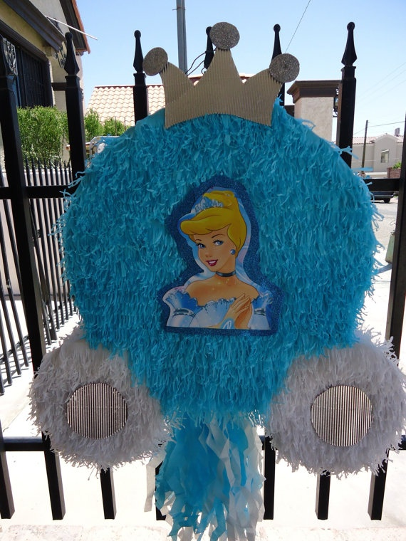 Princess Carriage Cinderella Piñata. I like the color and shape. Don't like the crown much but it's ok. This would be super easy to do tho. hmmmm
