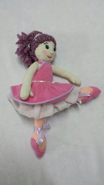 Ballerina Girl KAL- ballerina by lbolbo11- pattern by Irishmagda for prawelewe {www.prawelewe.pl}