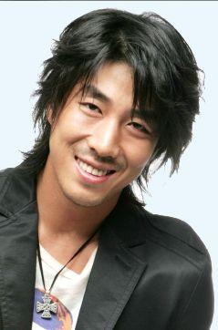Yoon Tae Young 윤태영 74 - debut 1997 - he played Kuchon, a deaf mute peasant in Su Baek hyang.
