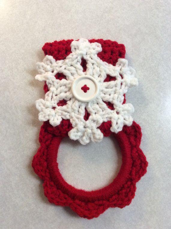 Dish Towel - Snowflake kitchen towel hanger Christmas by Yarnhotoffthehook