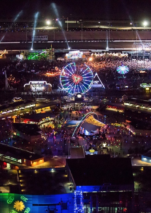 EDC ❤.. Insomniac made the right decision by moving to Vegas..