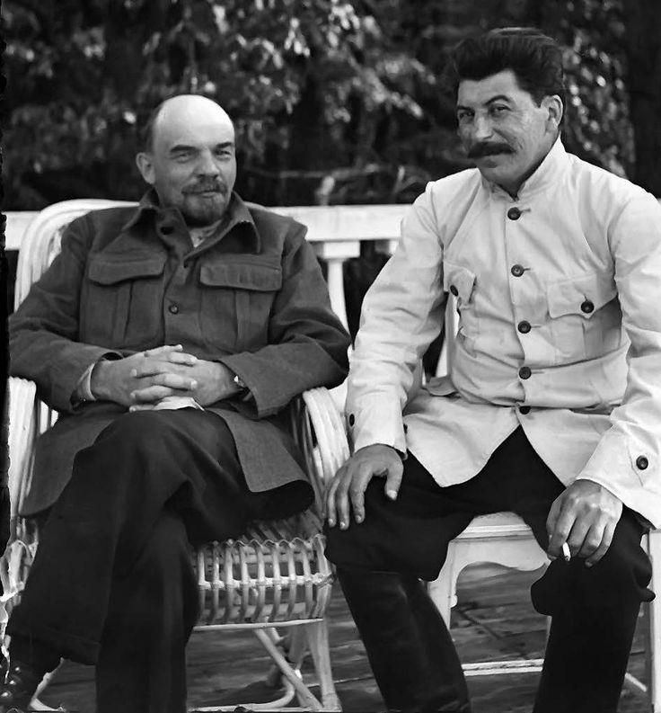 Lenin i Stalin, 1922 r., kilka miesięcy przed śmiercią Lenina (fot. materiały wyd. Znak)