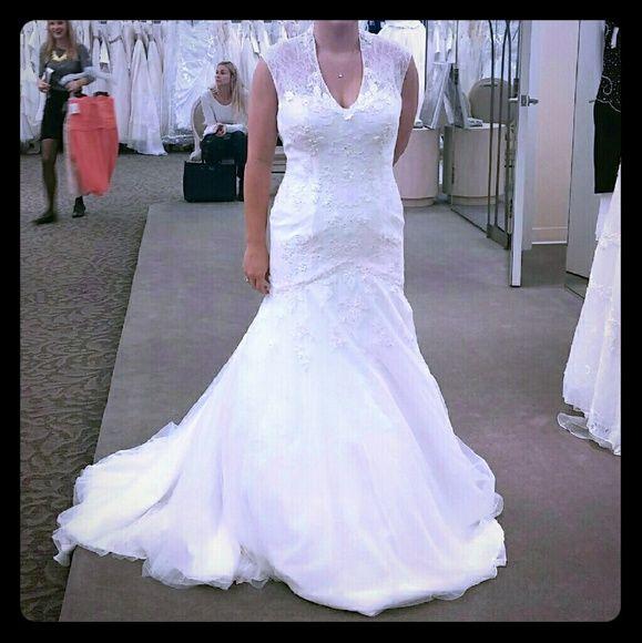 Melissa sweet wedding gown sz 12 brand new w tags Never worn. So beautiful! David's Bridal Dresses Wedding