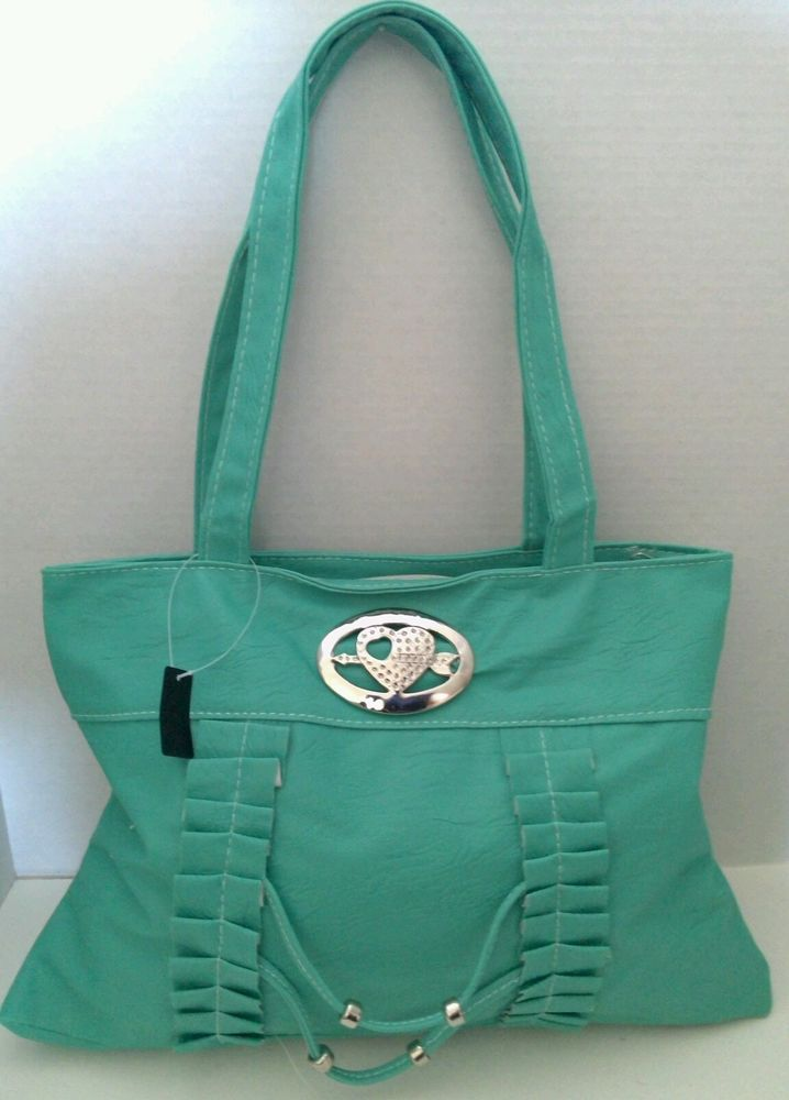 Mint Green Fashion Handbag Purse Heart Decoration. A great fashion accessory!