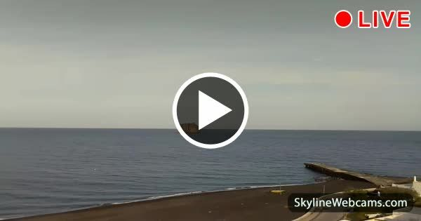 Blick zum Strand Ficogrande mit Strombolicchio im Hintergrund