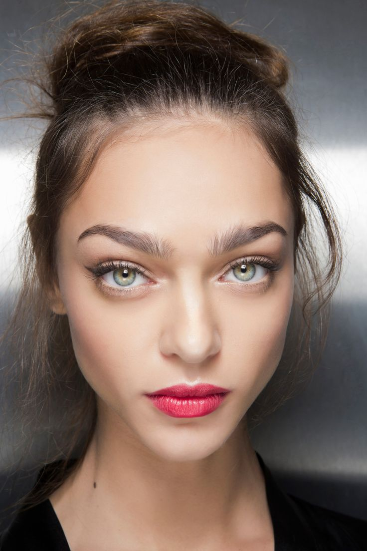 Bold lips! BOOM! Makeup Trends That Are Going To Be Everywhere In 2016