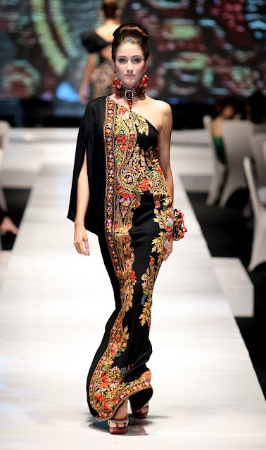 Indonesia fashion love the dress