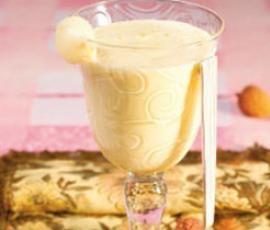 Zabaglione  Eine Kugel Vanille Eis ins Schälchen geben und Zabaglione darüber giessen... mmmmmhhh :-)  Für Kinder den Weisswein durch Apfelsaft ersetzen.