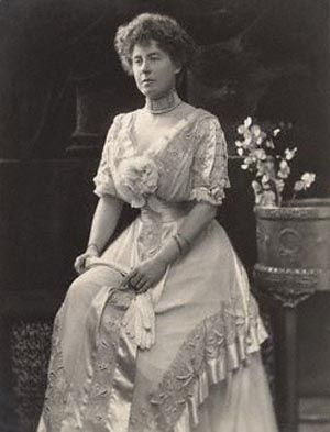 "Alice Stanley, Countess of Derby (born Lady Alice Montagu). Lady of the bedchamber to Queen Alexandra from 1900 to 1910. She was born on 15 August 1862 in London, the fifth and youngest child of William Montagu, 7th Duke of Manchester and Luise von Alten (who later married Spencer Cavendish, 8th Duke of Devonshire and was nicknamed ""The Double Duchess""). She married the future Edward Stanley, 17th Earl of Derby in 1889, who she had 3 children with. She died on 23 July 1957 at Coworth Park."