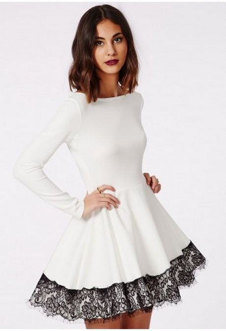 Robe patineuse dentelle blanche