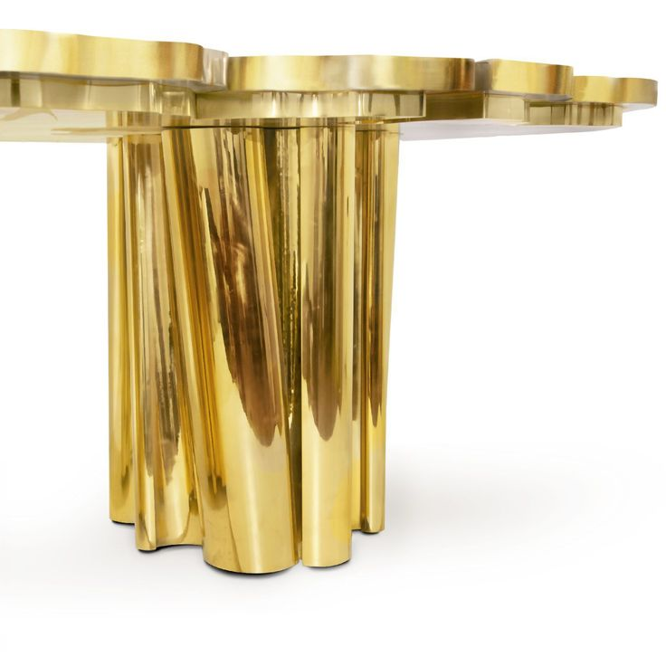Royal Dining Room: Amazing Gold Dining Room Furniture | www.bocadolobo.com #bocadolobo #luxuryfurniture #exclusivedesign #interiodesign #designideas #goldfurniture #diningroom #diningroomdesign #diningroomarea #luxurybrand #luxury #diningtable #moderndiningtable #golddiningtable #bolddiningtable #fortuna