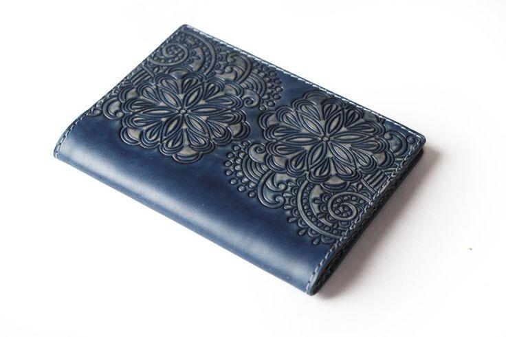 https://www.etsy.com/ru/listing/259712871/dark-blue-leather-passport-cover?ref=related-7