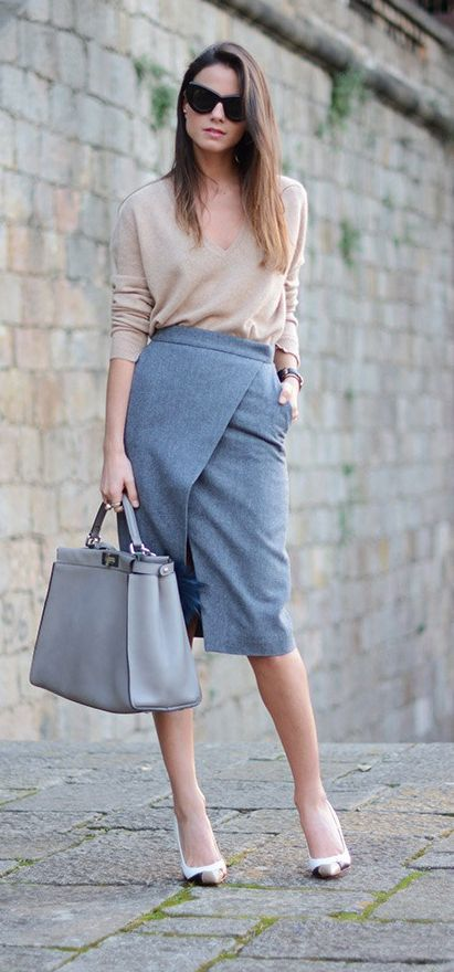 Office Style // Gorgeous workwear idea with wrap midi skirt.