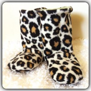 Warm and Fuzzy Winter Booties | FaveCrafts.com