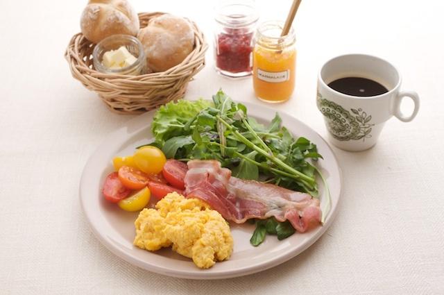 とろとろスクランブルエッグでホテル風の朝食スタイル。/(「はんど&はあと」2013年5月号)