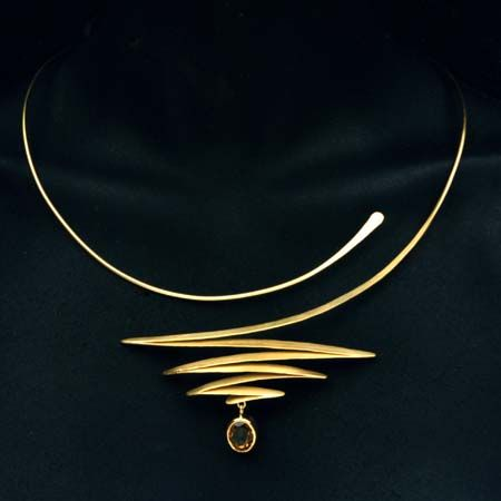 Pair this #necklace with a strapless dress or shirt for instant glam. #naturafashion