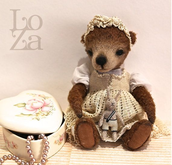 Artist Teddy Bear  Collectable toy  Bear Sonia. OOAK. by LozArts