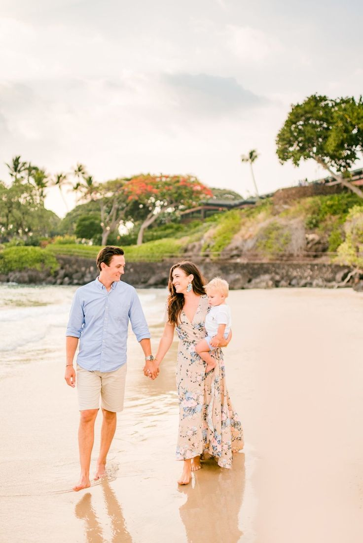 Extended Family Sunset Mauna Kea Beach Photography – Big Island, Hawaii – Wilde Sparrow Photography Co | Big Island Hawaii Family and Couples Photographer