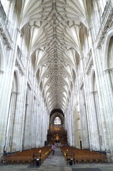 52 best images about holidays on pinterest king arthur round table the resurrection and - Round table winchester cathedral ...