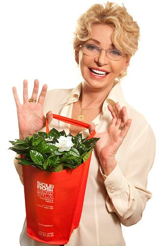 Enrica Bonaccorti per la Gardenia di AISM! | Flickr – Condivisione di foto!