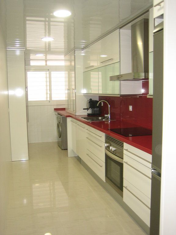 cocinas modernas alargadas inspiración de diseño de interiores - Imagenes De Cocinas