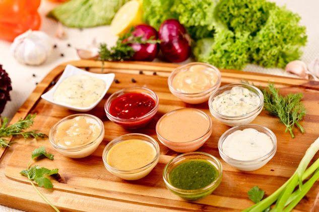 5 вариантов разных соусов 1. Сметана(15%) + пара долек чеснока+ измельченный…