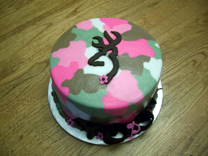 "camo cake from ""Dillicious Cakes"" on Facebook"