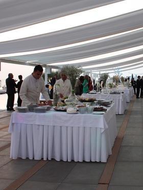 Matrimonio in spiaggia. Cena tradizionale o buffet in piedi?