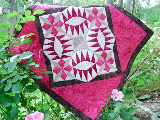 The Flower Ring by Carolyn McCormick, one of the teachers who will join us for Quiltmaker's Block Party