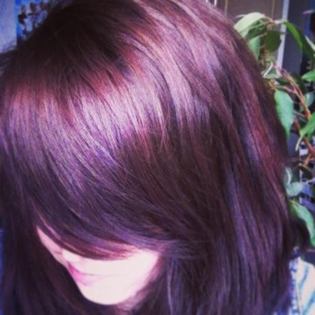 17 meilleures id es propos de cheveux brun acajou sur pinterest couleurs pour cheveux bruns. Black Bedroom Furniture Sets. Home Design Ideas