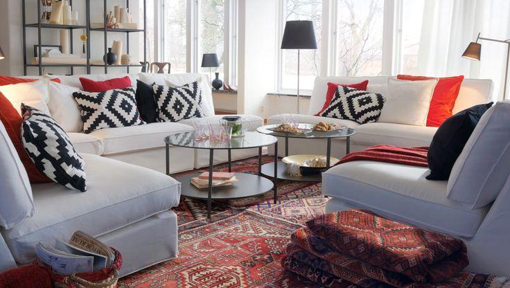 IKEA Sterreich Inspiration Wohnzimmer VITTSJ Regale In Schwarzbraun Mit Glasbden KIVIK Sitzelemente Und Polstergruppe Bezug Bleki