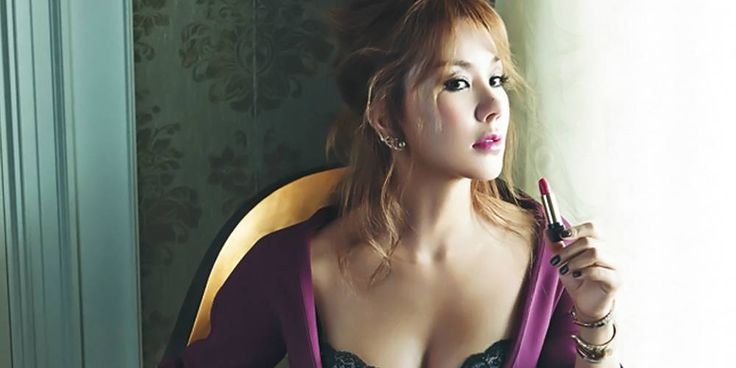 Uhm Jung Hwa set for a new weekend drama? http://www.allkpop.com/article/2016/11/uhm-jung-hwa-set-for-a-new-weekend-drama