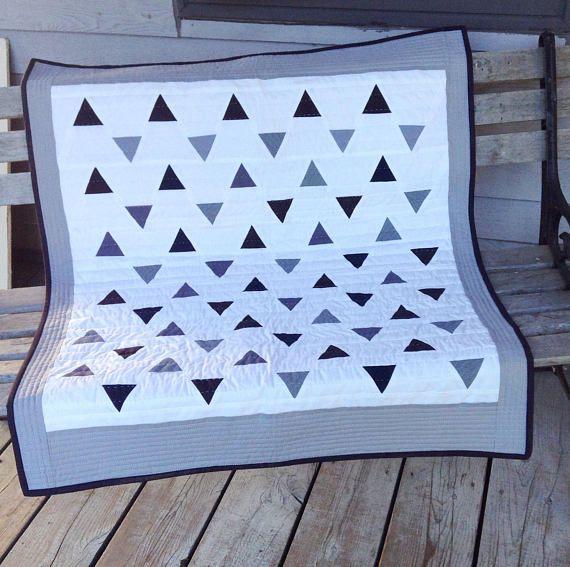 Couverture pour bébé moderne courtepointe patchwork. Pièce
